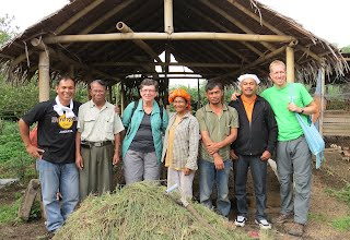 Steven and Bev with Indonesian ARI graduates and local farmers